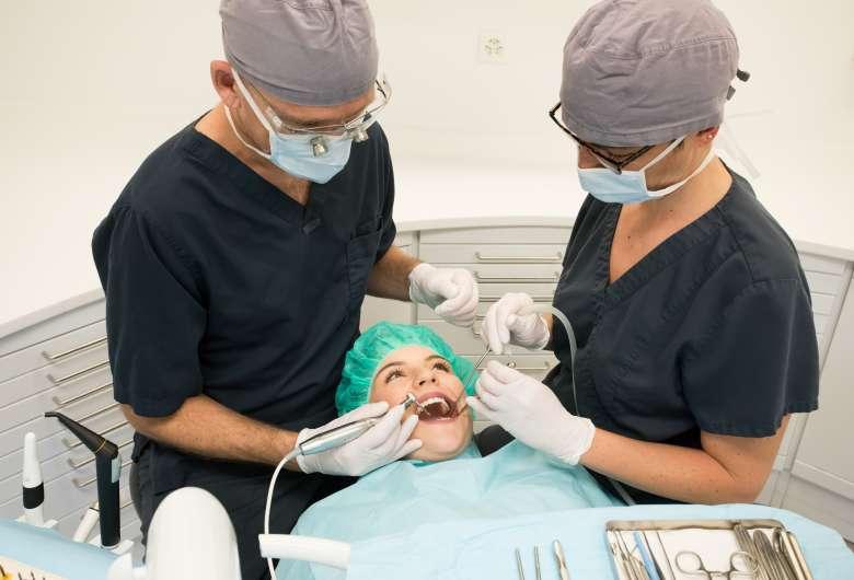 Extraction des dents de sagesse à Genève