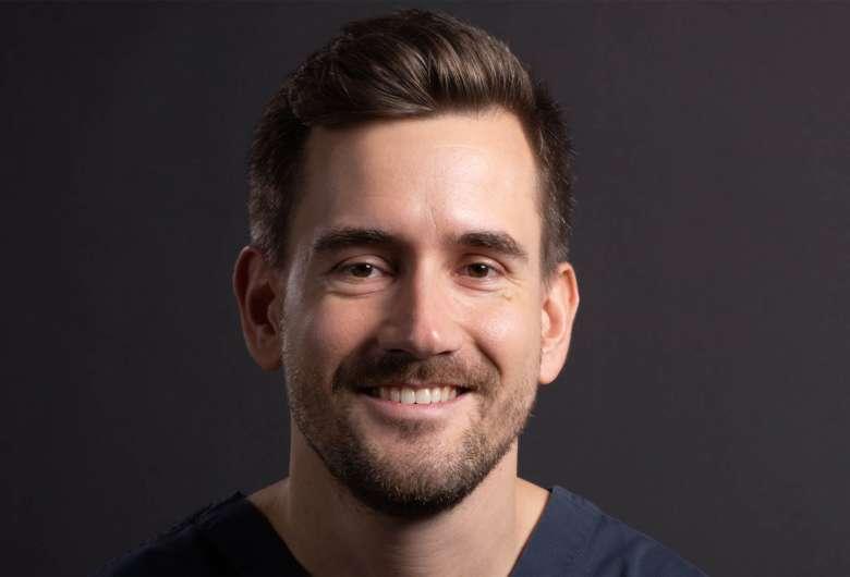 Dr Simon Stade
